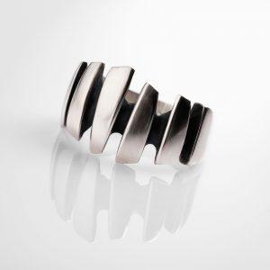 Shard ring, bold shard design